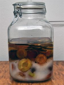 Dag 1. Glasset rommer tre liter